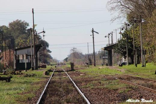 Vista del paso a nivel desde la estación