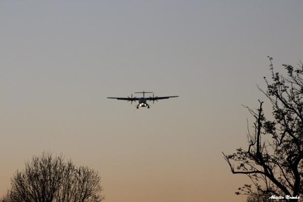 CX-LFL ATR42 BQB a lo lejos