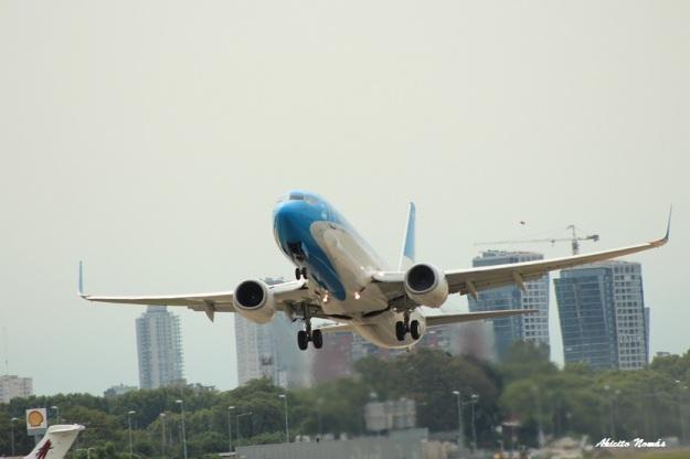 B-737 a pleno motor