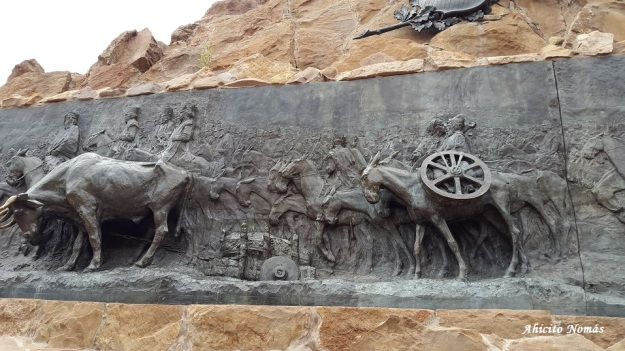 Monumento de costado