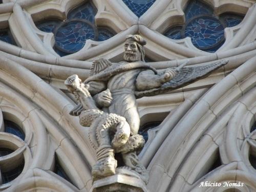 Estatua exterior