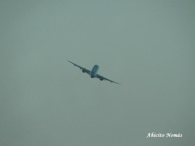 E-190 virando en ascenso