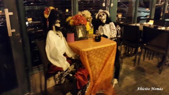 Muertos en la mesa
