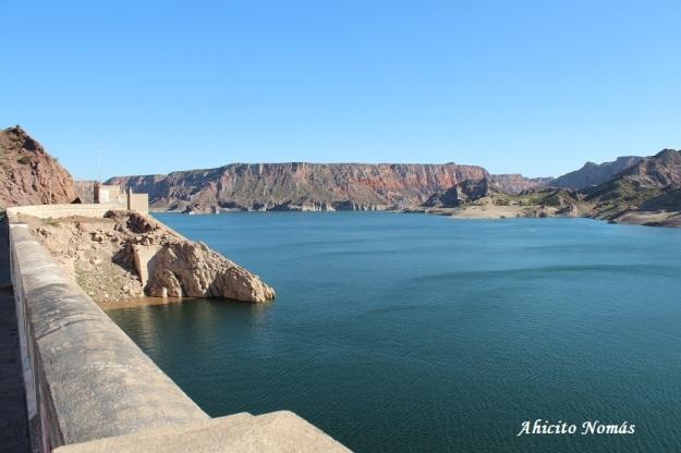 lago desde el dique