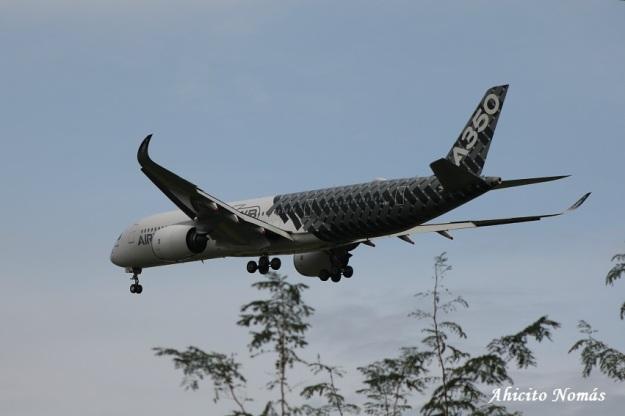 12 - A350 se aleja en final