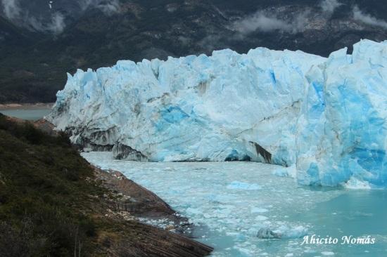 Glaciar sobre la costa