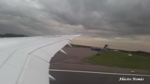 C-17 estacionado en pista 05-23