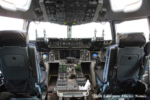 C17 Cockpit