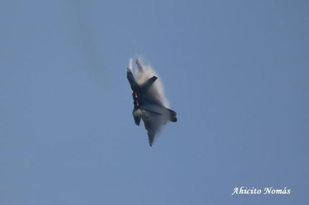 F22 cortando el aire