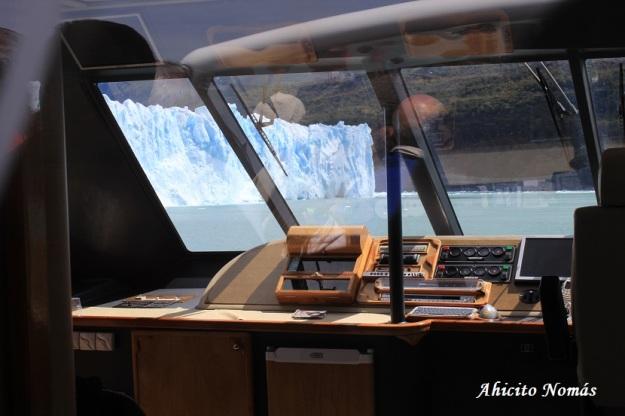 Perito Moreno a traves del parabrisas