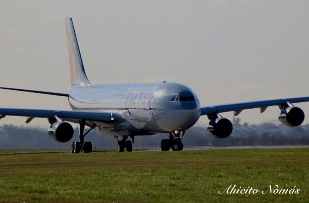 Acercamiento al A340 girando