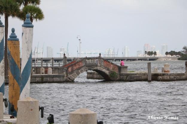 Puente sobre el agua