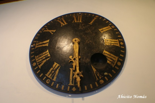 Reloj baleado por cañon