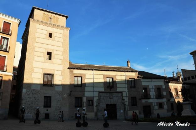 calle-del-codo-en-plaza-de-la-villa