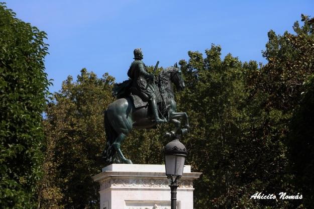 estatua-ecuestre