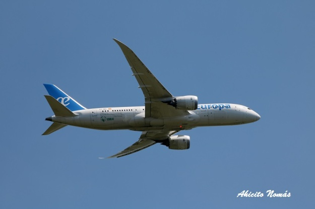 ux-b787-lateral