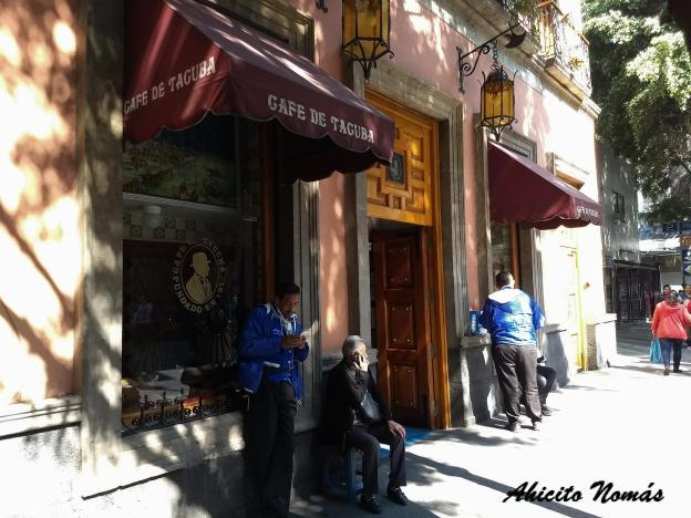 El Tradicional Cafe De Tacuba Y La Historia De Su Fantasma