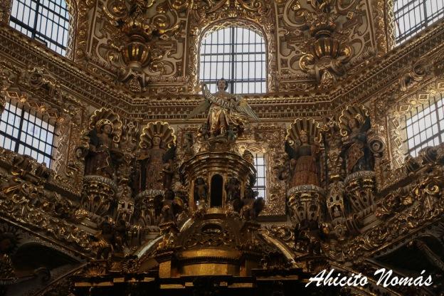 Entramos en la casa de oro la capilla del rosario en puebla m xico ahicito nom s - La casa del compas de oro ...